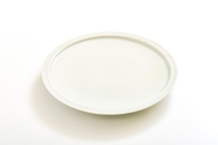 山本亮平さんの平皿6寸
