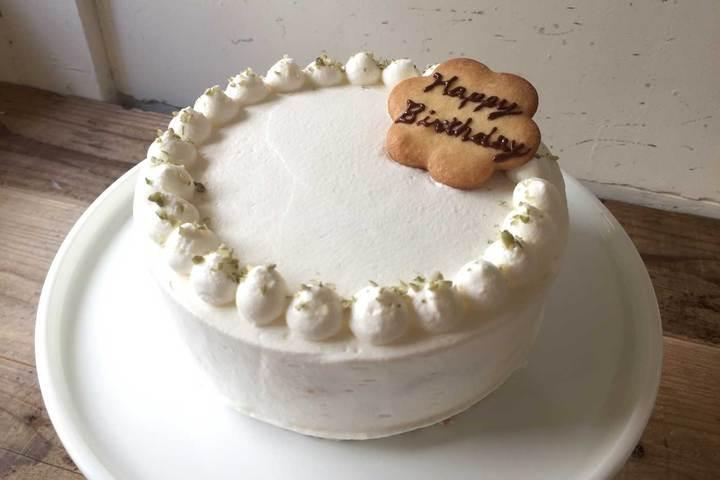 バースデーケーキに「桃のケーキ」が登場です