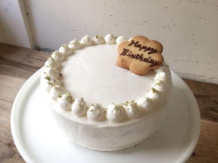 バースデーケーキ「桃のショートケーキ」ご予約受付中です