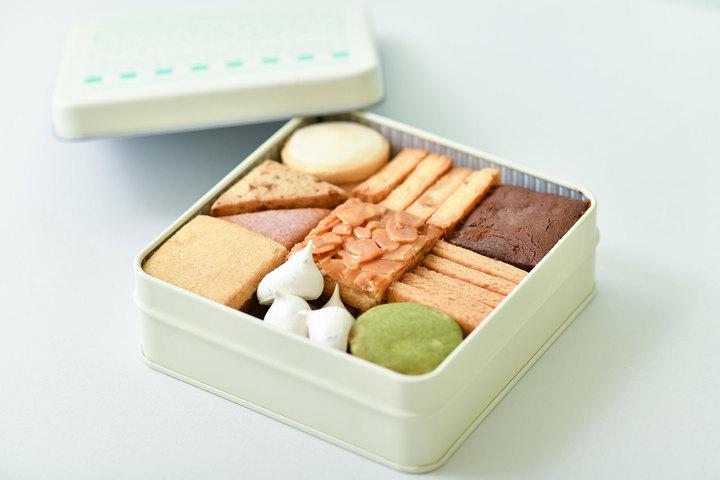 2/1 21時から販売「定番クッキーBOX 」「クッキー缶」