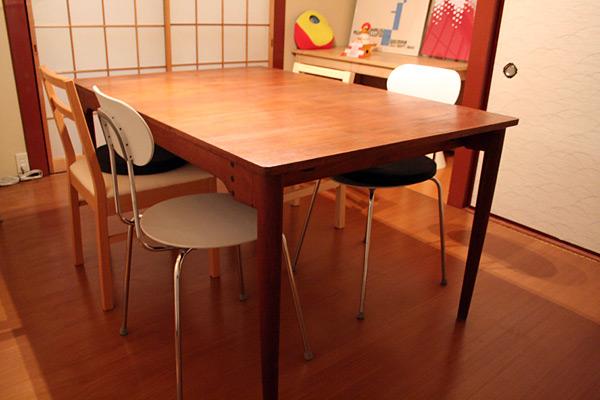 FINN JUHLさんのテーブル