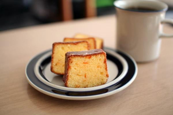 ホワイトチョコとオレンジのケーキ