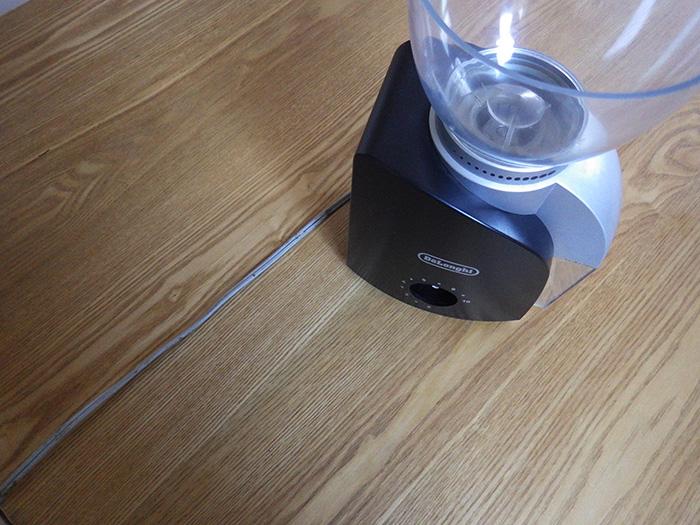 デロンギ「コーン式」コーヒーグラインダーKG-100