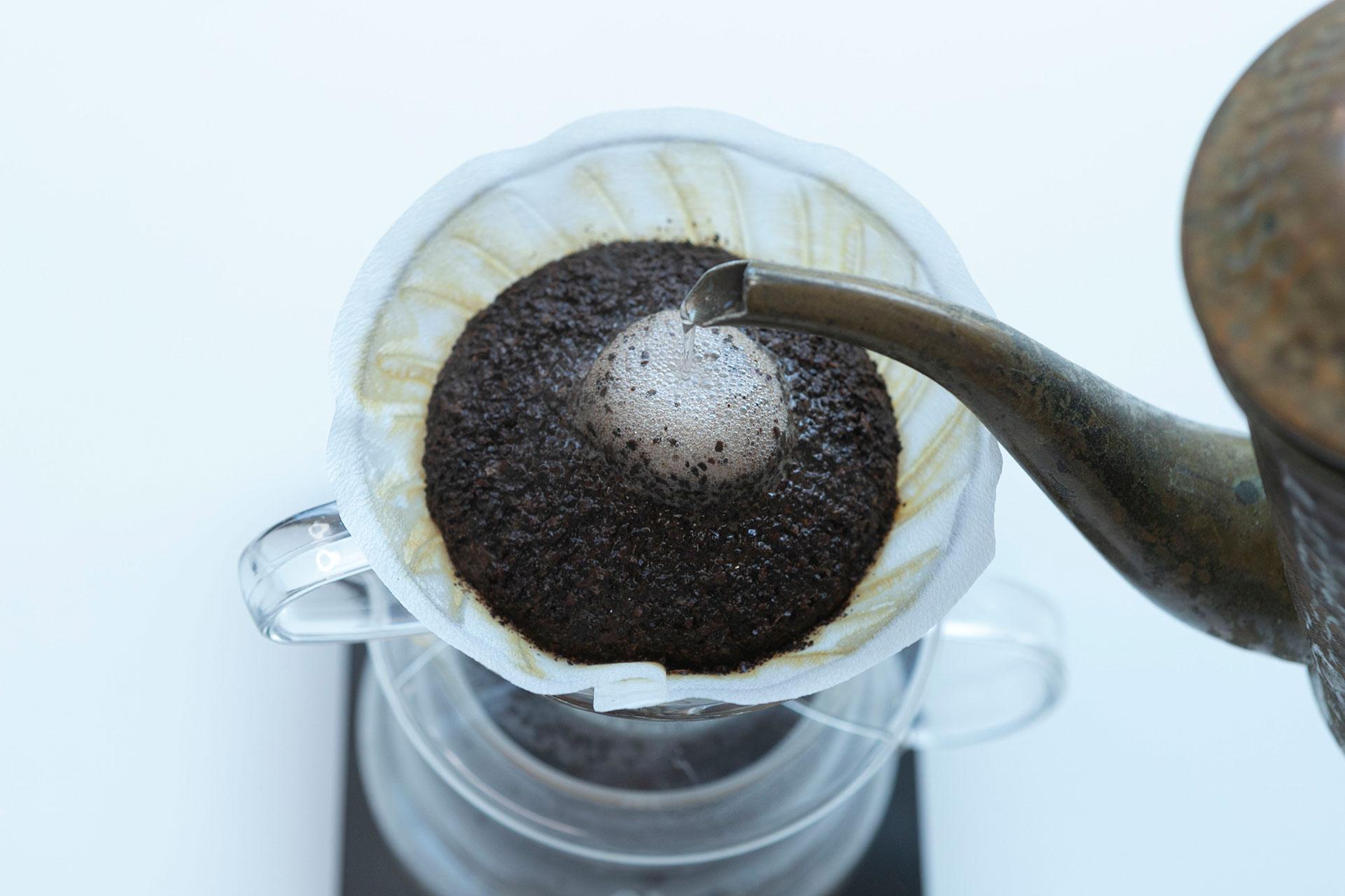 コーヒーの粉の膨らみ 100円玉の大きさ